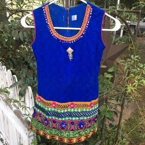 Other - Indian Dress Girls Sz M w/ Brooch & Embroidery